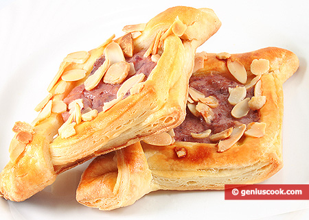Cookies form Flaky Dough with Raspberry Cream