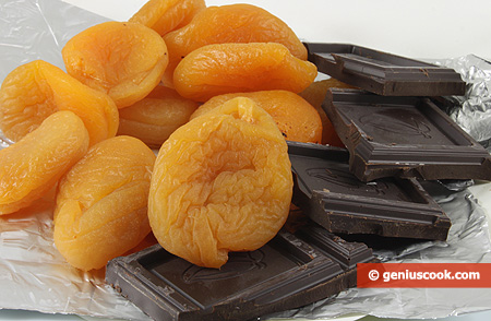 Ingredients for Dried Apricot in Chocolate