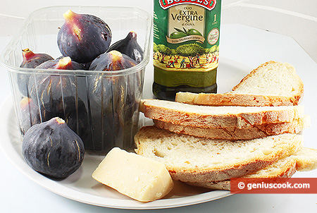 Ingredients for Bruschetta with Fig