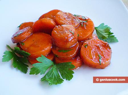Carrot Salad with Garlic, Parsley and Balsamic Vinegar