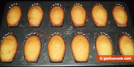 Madeleine Cookies in the form