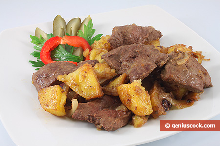 Liver with Fried Potatoes and Onion