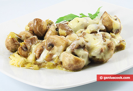 Mushrooms with Leek and Cheese
