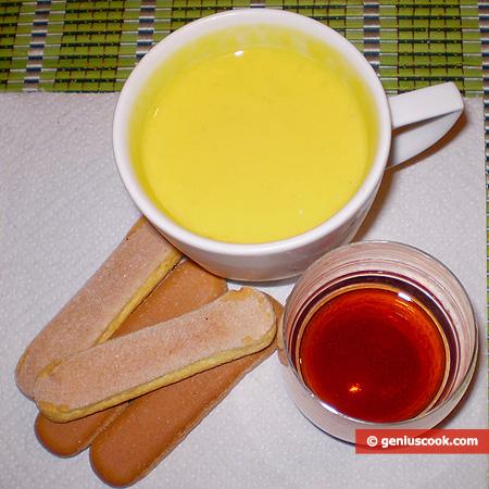 Ingrediente for Tiramisu in a Glass