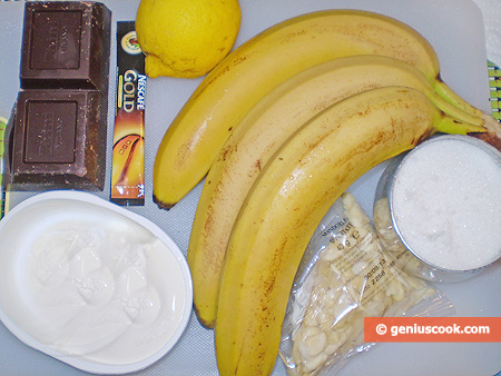Ingredients for Bananas in chocolate with coffee cream