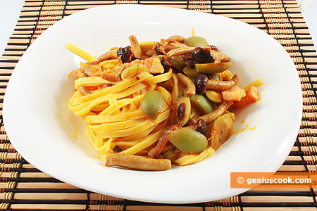 Tagliatelle with Pancetta, Olives and Mushrooms