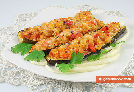 Zucchini Stuffed with Rice and Mushrooms