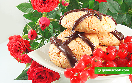Nut Cookies with Chocolate Icing