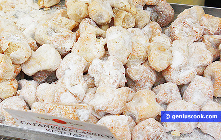 Sicilian sweets made from almonds
