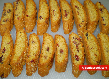Cantuccini with Cranberry