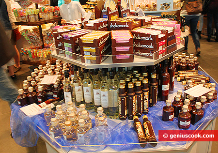 Chocolate liqueurs, syrups and essences