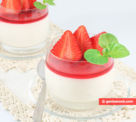 Malabi Cream Mousse with Strawberry
