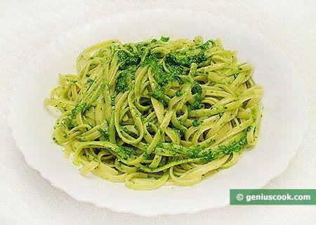 Bavette with Green Pesto Sauce