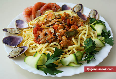 Troccoli pasta with clams and shrimp