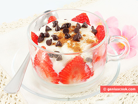 Rice Pudding with Strawberry, Cinnamon and Chocolate