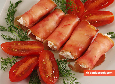 Ham rolls with cheese and nuts