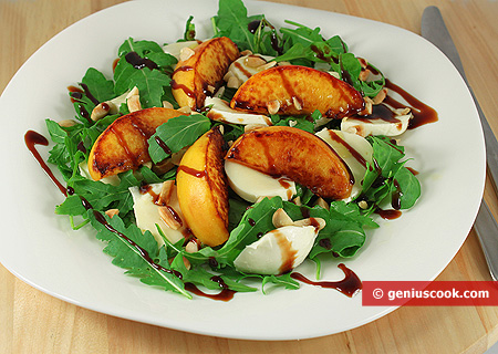 Peach Salad with Mozzarella and Arugula