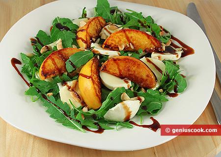 Peach Salad with Mozzarella and Arugula