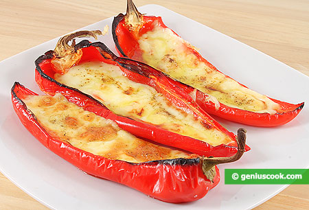 Grilled Peppers with Prosciutto and Scamorza