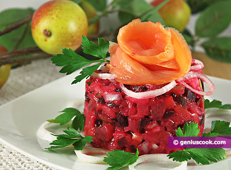 Beetroot Salad with Apples and Salmon