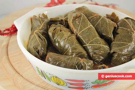 Stuffed Vine Leaves (dolma) with Brown Rice