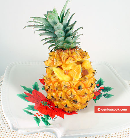 Stuffed pineapple