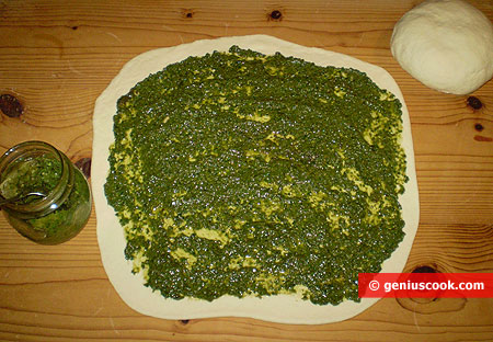 Dough and filling pesto sauce