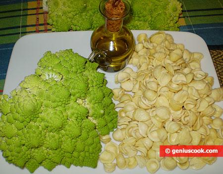 Ingredients for Orecchiette with Romanesco