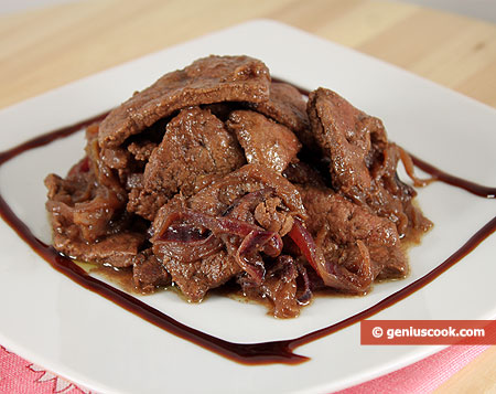 Liver Stewed with Wine and Onions