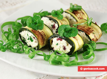 Zucchini rolls with Cheese and Anchovies