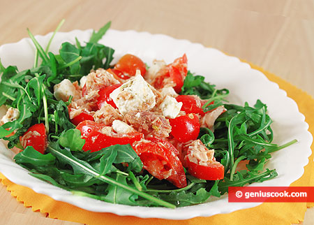 Tuna Salad with Goat Cheese and Arugula
