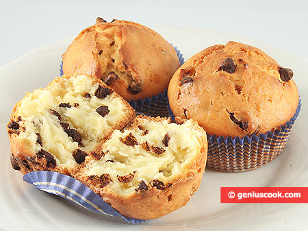 Yogurt muffins with chocolate chips
