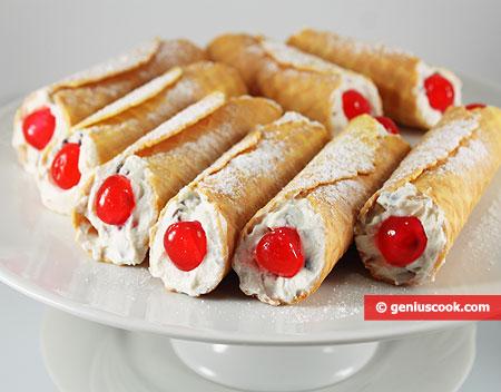 Sicilian Little Tubes with Cream