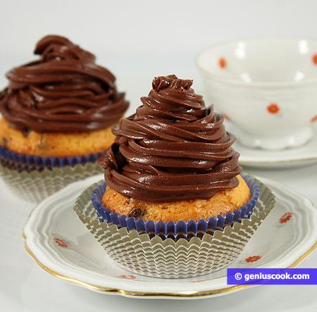 Yogurt muffins with chocolate cream