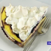 Tart with Ricotta, Blueberries and Merengue