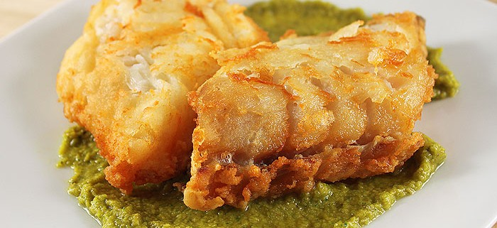 Fried cod with green sauce