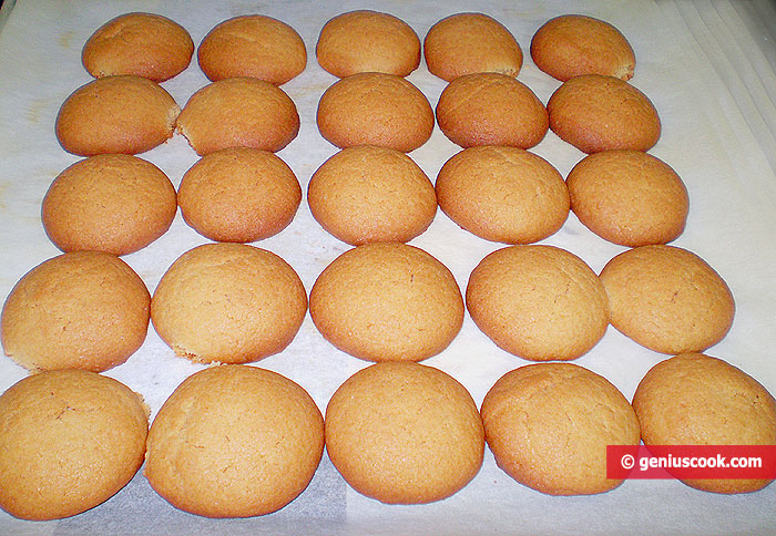 Baked marzipan cookies