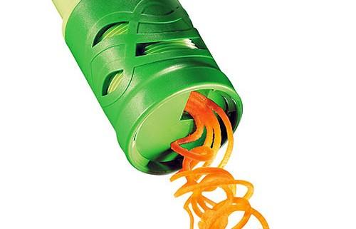 Twister gadget for vegetables