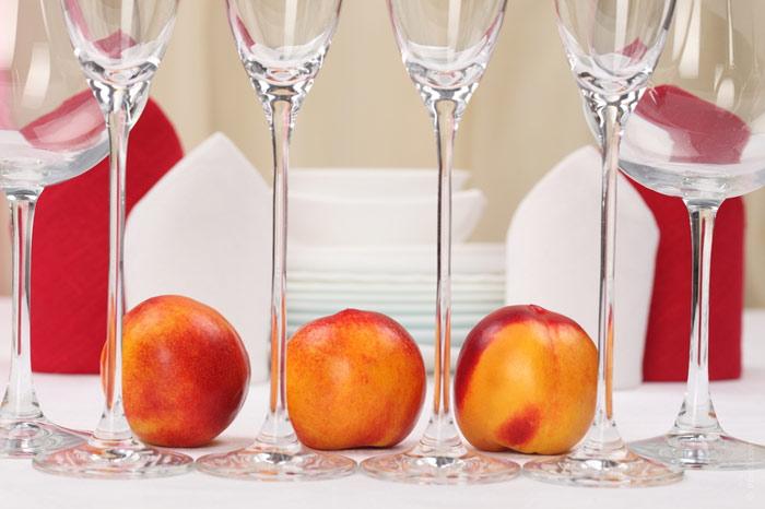 700-restaurant-food-peach-netarine