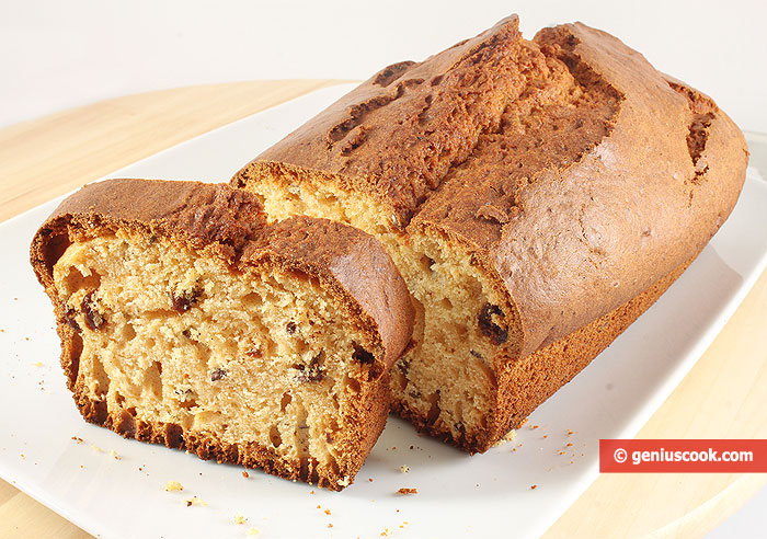 Honey Cake with Raisins and Flax Seeds