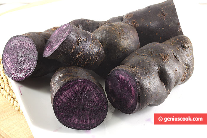 Purple potatoes, with the same color of flesh