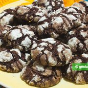 Easy Chocolate Crack Cookies