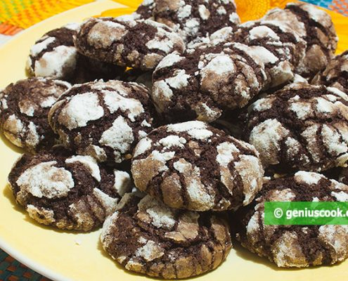Easy Chocolate Crack Cookies